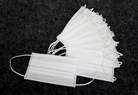 マスク<br><span>(4層構造の2層目にメルトブローン使用)</span>イメージ